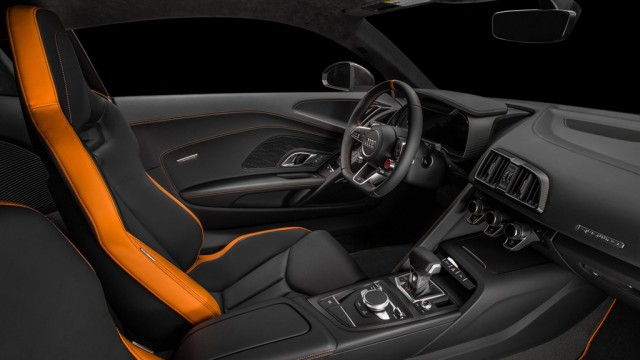 interior-audi-r8-v10-exclusive-edition